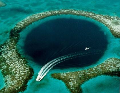 Belize_duiken_Turneffe_Great_Blue_Hole_Belize_EWDR